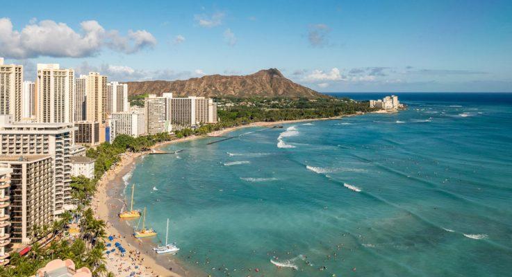 A la manera de un libro de viajes al revés: Hotel Honolulu, de Paul Theroux