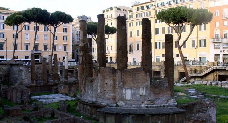 Ruinas del templo Aedes Fortunae Huiusce Diei, en Roma