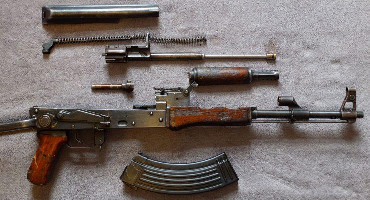 Fusil AK-47 Kalashnikov despiezado