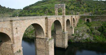 Puente romano de Alcántara, en el Río Tajo