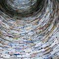 Chimenea formada por miles de libros