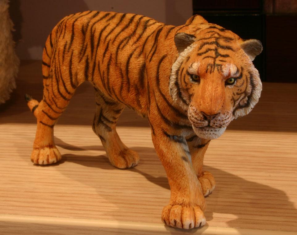 Figurita de tigre