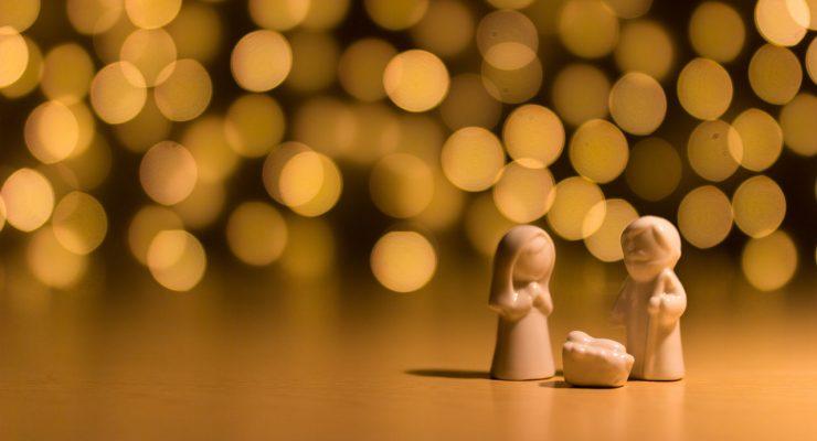 Nacimiento y luces de Navidad