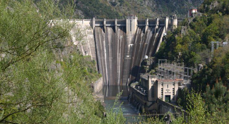 La presa del Embalse de San Esteban, en el río Sil