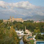 La Catedral de Pamplona, vista desde el paseo de la Media Luna