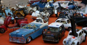 Coches de juguete en el Rastro de Madrid