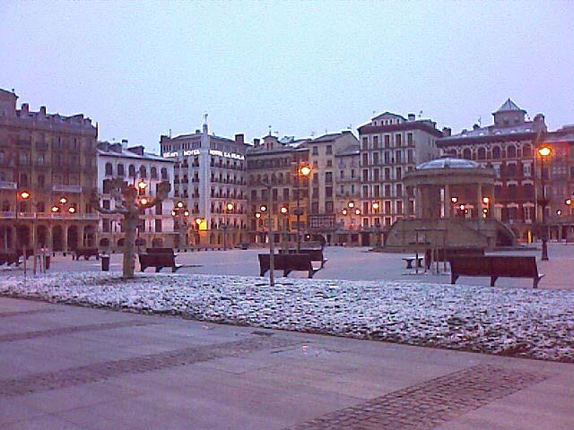 Nieve en la Plaza del Castillo