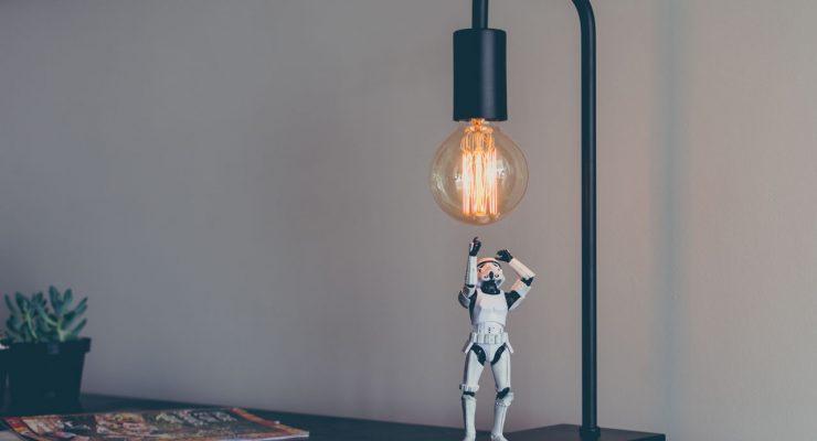 Stormtrooper y bombilla
