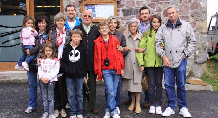 Eduardo Larequi y familia