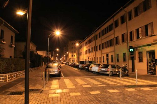 Pamplona nocturna, cruce de las calles Aralar y Gorriti, 2