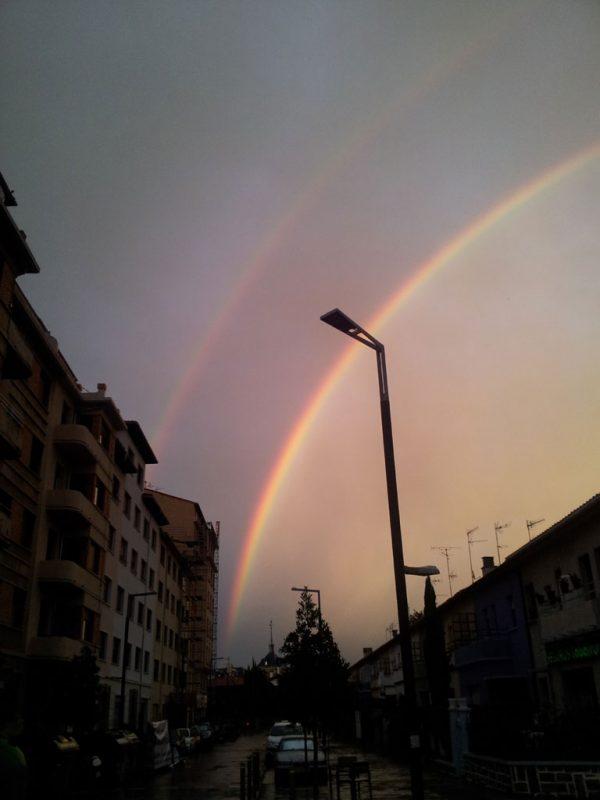 El arco iris, desde el cruce de las calles Aralar y Gorriti, 3