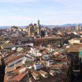 El Casco Viejo de Pamplona. Al fondo, la iglesia de San Saturnino o San Cernin