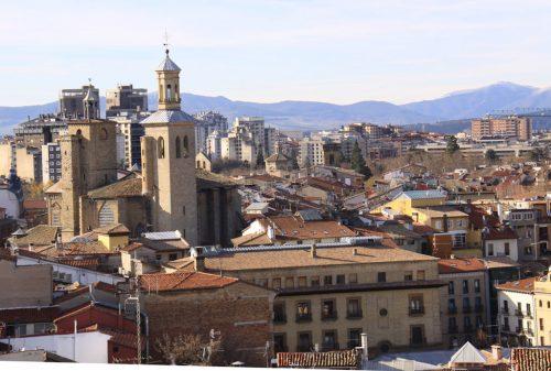 Torres de San Saturnino y tejados de la ciudad