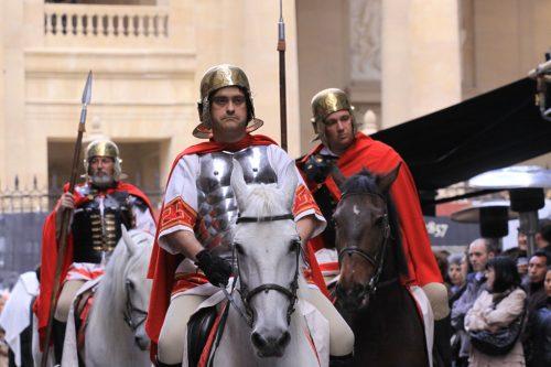Legionarios romanos a caballo