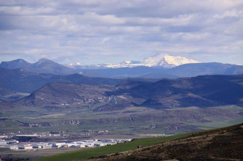 Vistas de Pamplona y su cuenca 3. Al fondo, a la derecha. el Orhi