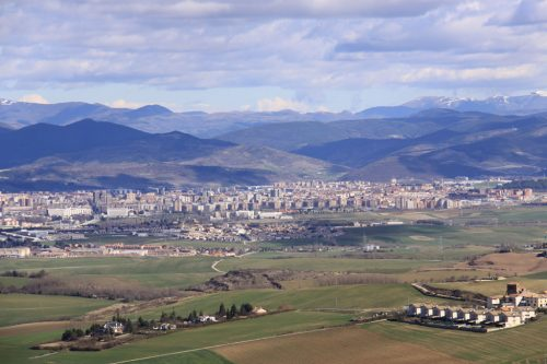 Vistas de Pamplona y su cuenca 2. Al fondo, el Pirineo (Ortzanzurieta)