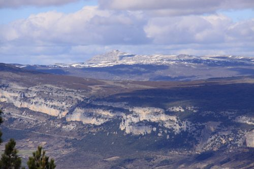 Sierra de Sarbil. Al fondo, San Donato
