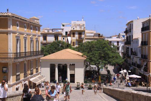 Plaza de la Constitución y edificio del Mercado
