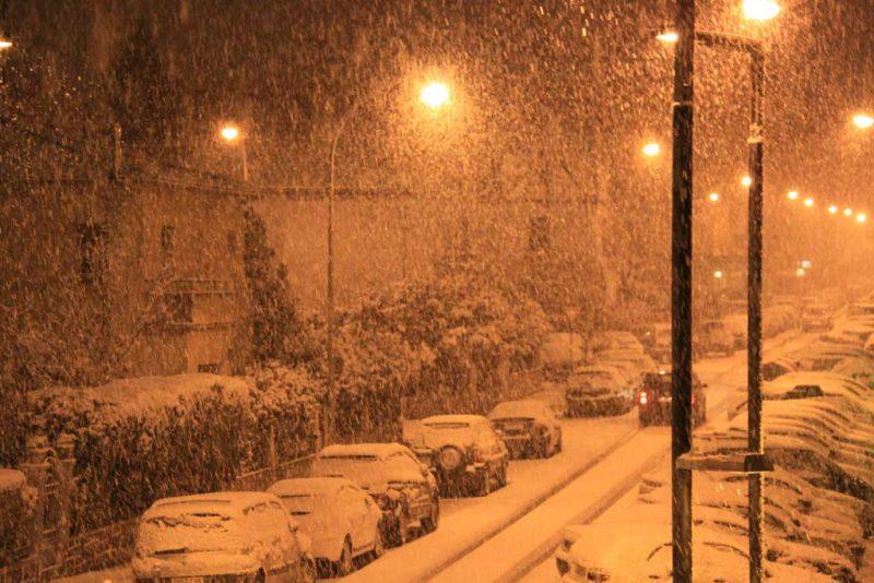 La nieve desde el balcón. Nieva en la calle Aralar 4