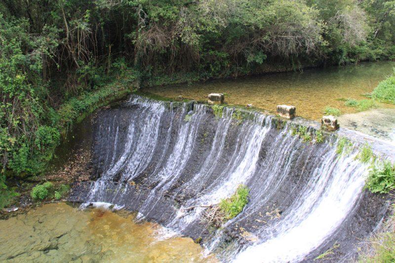 Presa en el curso del río Ubagua