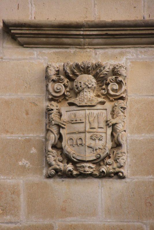 Escudo de armas del Palacio de Riezu