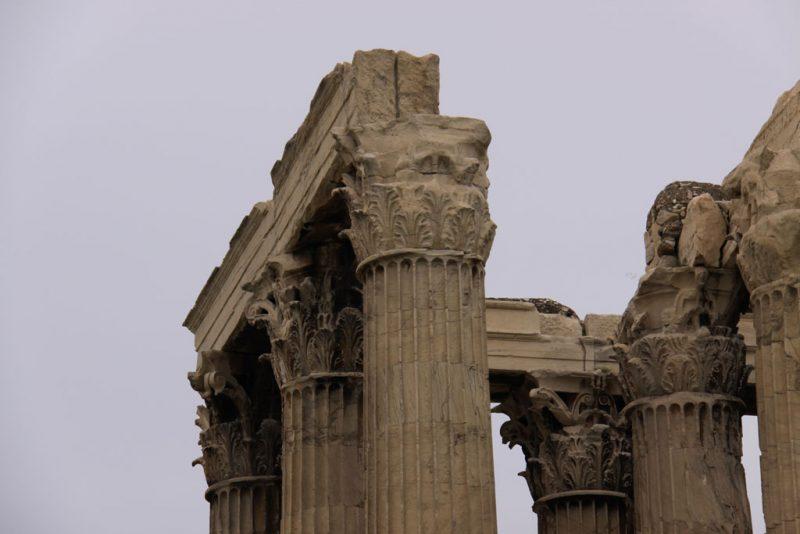 Detalle de las columnas y capiteles del templo de Zeus Olímpico