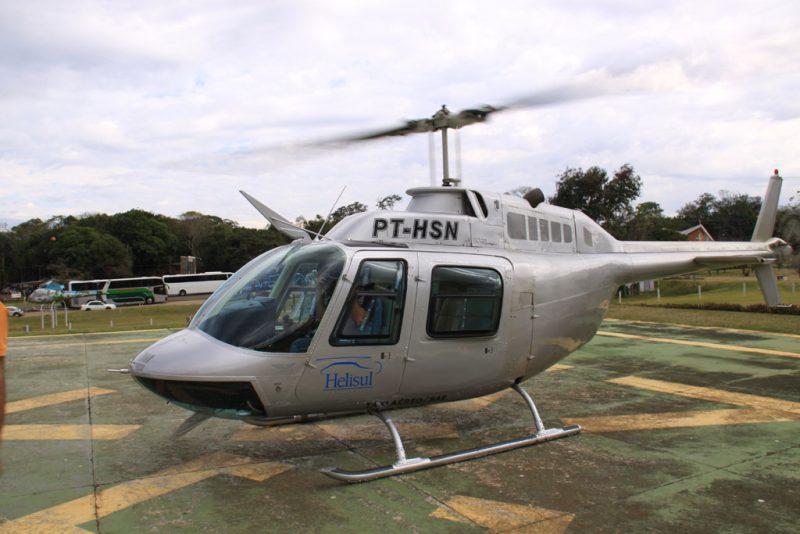 El helicóptero, a punto de despegar