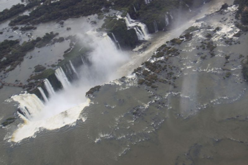 Otra vista aérea de la Garganta del Diablo desde el lado brasileño