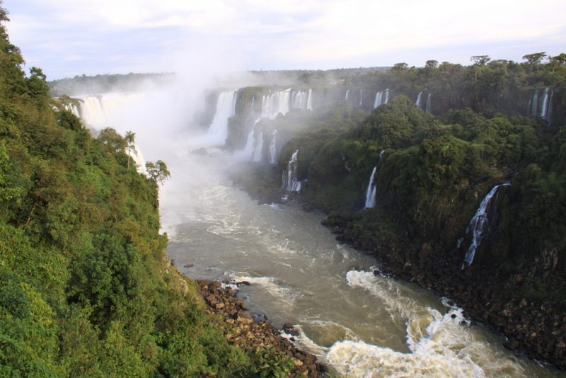 El río Iguazú, tras sobrepasar los principales saltos 2