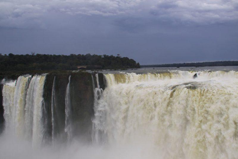 Saltos brasileños en la Garganta del Diablo 2