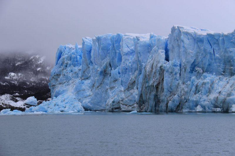 El frente del Glaciar Perito Moreno, frente a la Península Magallanes