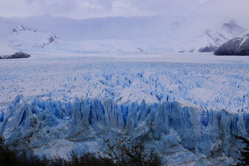 Vista general del frente del Glaciar Perito Moreno, desde las pasarelas de la Península Magallanes 2