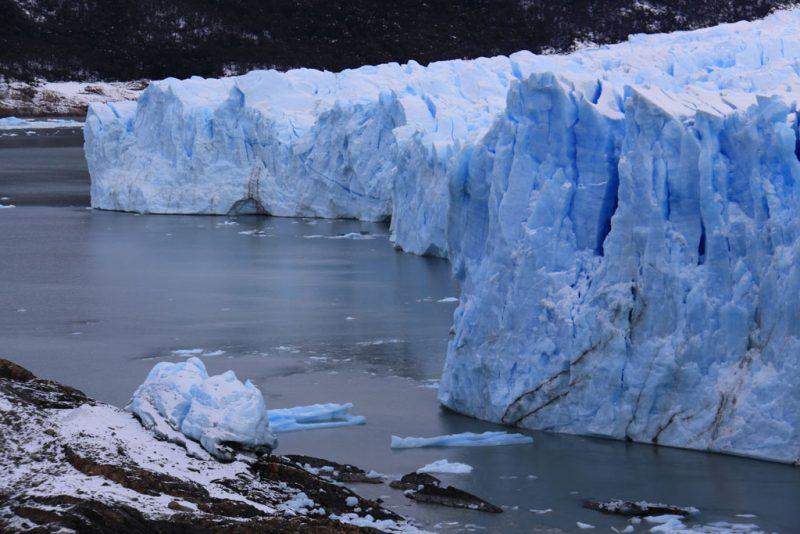 Punto de contacto entre el frente del Glaciar Perito Moreno y la Península Magallanes 1