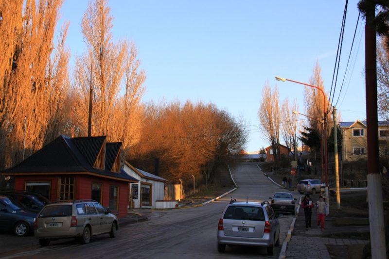 Calles de El Calafate, al caer la tarde