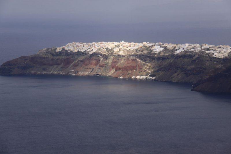 Vista de Oía y la caldera de Santorini