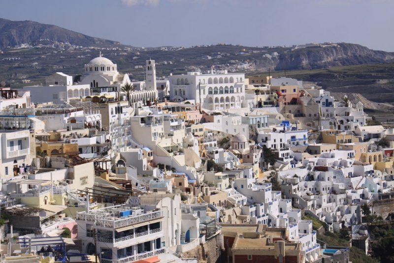 Vista general de Firá desde lo alto de la ciudad